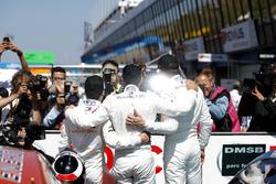 El top3 de la primera carrera: Ganador Gary Paffett, Mercedes-AMG Team HWA, segundo Paul Di Resta, Mercedes-AMG Team HWA, tercero Lucas Auer, Mercedes-AMG Team HWA