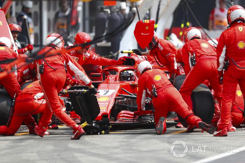 Ferrari же была сильнее всех в эти выходные, почему тогда Кими не победил?