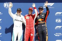Обладатель поула Себастьян Феттель, Ferrari, второе место – Валттери Боттас, Mercedes AMG F1, третье место – Макс Ферстаппен, Red Bull Racing