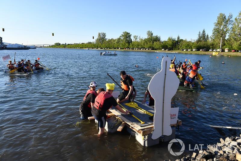 Scuderia Toro Rosso at the raft race