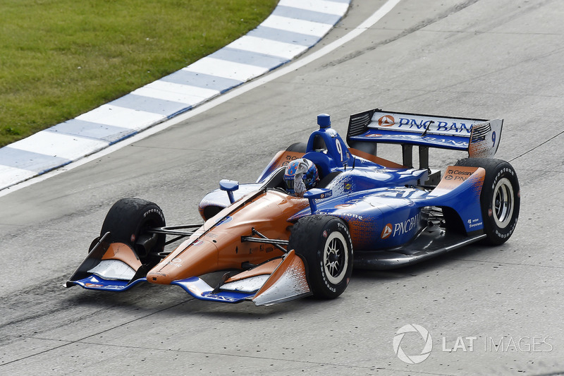 Scott Dixon, Chip Ganassi Racing Honda celebrates the win