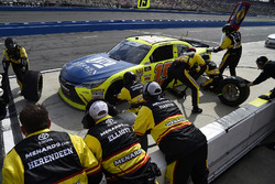 Brandon Jones, Joe Gibbs Racing, Toyota Camry Menards Jeld-Wen makes a pit stop