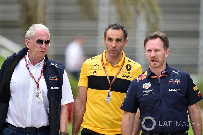 Dr. Helmut Marko, consultor de Red Bull Motorsport, Cyril Abiteboul, director general de Renault Sport F1 y Christian Horner, director del equipo Red Bull Racing