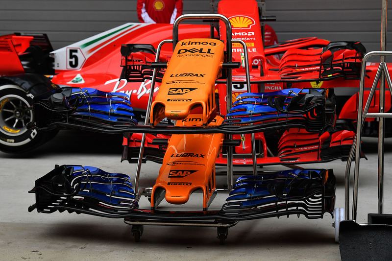 McLaren MCL33 nose and front wings