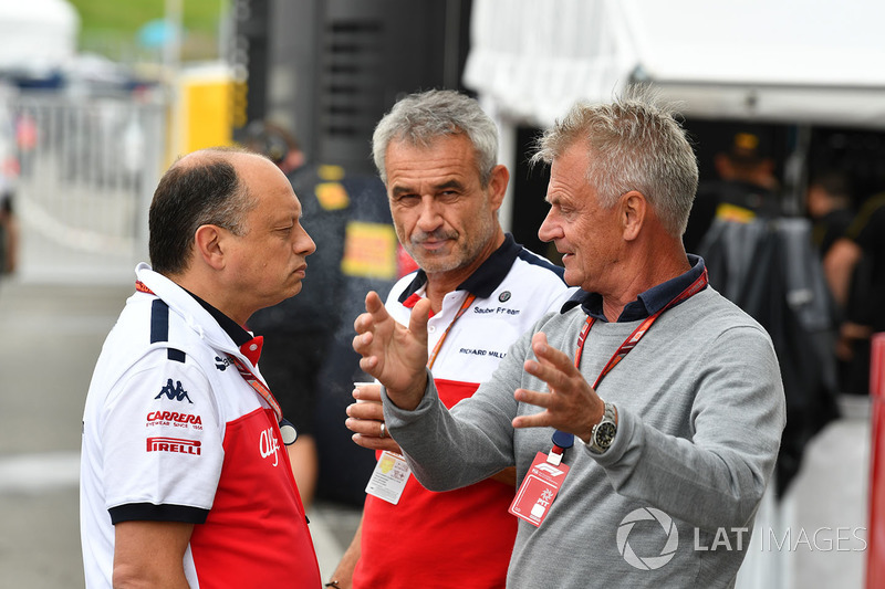 Frederic Vasseur, Sauber, Team Principal with Beat Zehnder, Sauber Manager and Eje Elgh, Manager