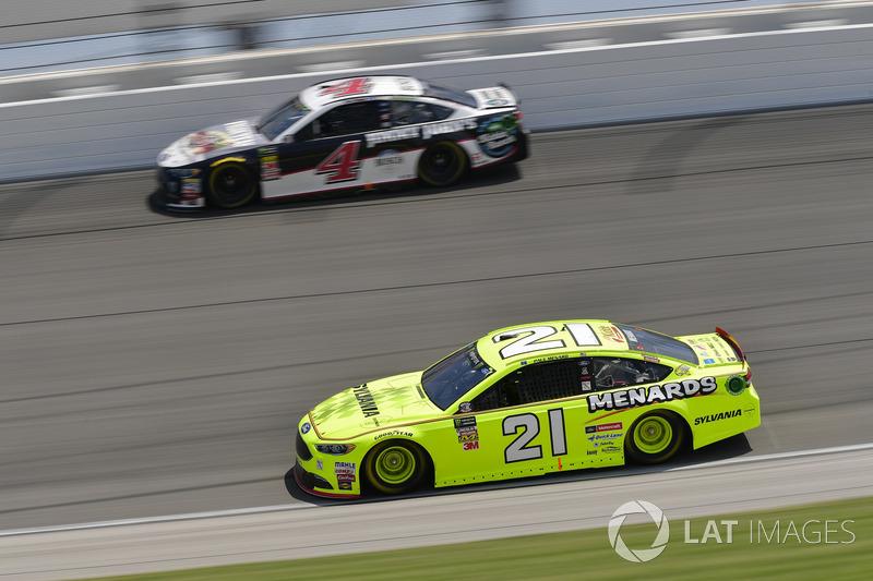 Paul Menard, Wood Brothers Racing, Ford Fusion Menards / Sylvania, Kevin Harvick, Stewart-Haas Racing, Ford Fusion Jimmy John's Kickin' Ranch