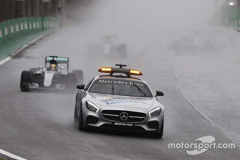 Safety-Car-Phase: Lewis Hamilton, Mercedes AMG F1 W07 Hybrid, führt