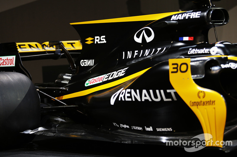 Renault Sport F1 Team RS17 ala tapa y motor