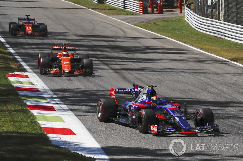 Carlos Sainz Jr., Scuderia Toro Rosso STR12 nat Formula One World Championship, Rd13, Italian Grand Prix, Race, Monza, Italy, Sunday 3 September 2017.