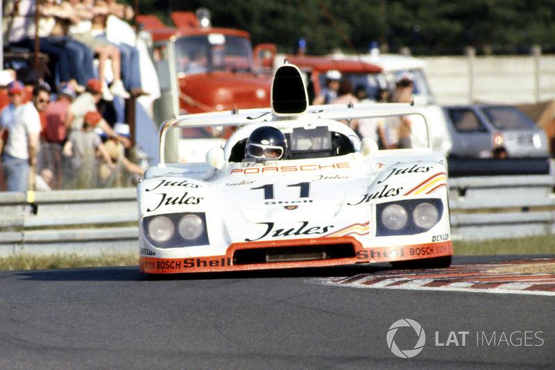 1981 год. Экипаж Жаки Икса и Дерека Белла, Porsche 936/81