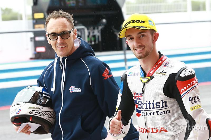 Polesitter John McPhee, British Talent Team, mit Jeremy McWilliams, British Talent Team, Teamchef