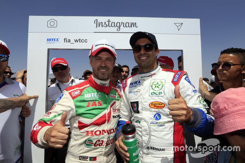 Tiago Monteiro, Honda Racing Team JAS, Honda Civic WTCC; Mehdi Bennani, Sébastien Loeb Racing, Citroën C-Elysée WTCC