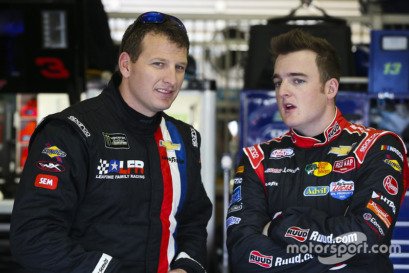 Michael McDowell, Leavine Family Racing, Chevrolet; Ty Dillon, Germain Racing, Chevrolet