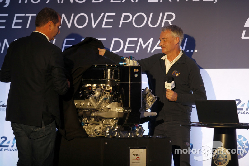 Conferencia de prensa de la ACO: Vincent Beaumesnil, ACO Sport Director y Bernhard Niclot, Director técnico de la FIA