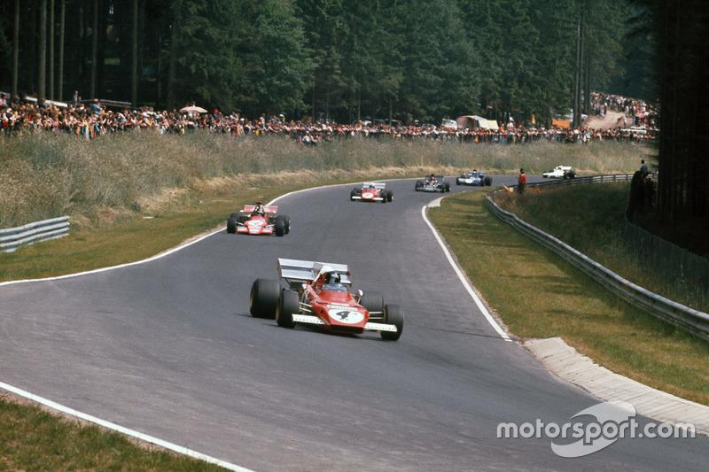 Jacky Ickx, Ferrari 312B2, leads Ronnie Peterson, March 721G Ford; Clay Regazzoni, Ferrari 312B2; Em