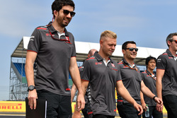 Kevin Magnussen, Haas F1 Team walks the track
