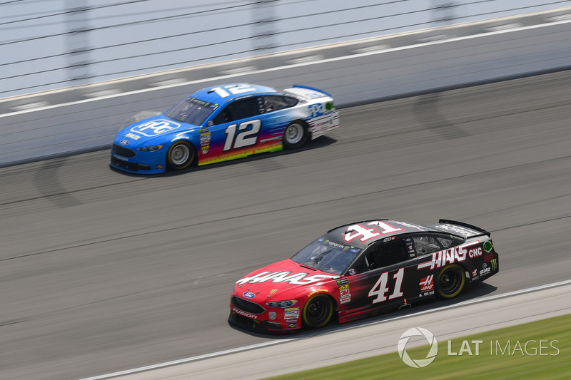 Kurt Busch, Stewart-Haas Racing, Ford Fusion Haas Automation, Ryan Blaney, Team Penske, Ford Fusion PPG