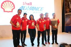 VP Marketing Lubricants PT Shell Indonesia, Mario Viarengo; Direktur Pelumas Shell Indonesia, Dian Andyasuri; Jorge Lorenzo, Andrea Dovizioso dan Paolo Ciabatti, Ducati Team