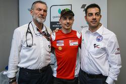 Jorge Lorenzo, Ducati Team, Dr Angel Charte, MotoGP Tıbbi Direktör, Dr Michele Zasa, Clinica Mobile