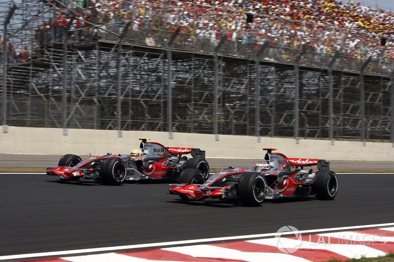 Lewis Hamilton, Fernando Alonso, McLaren MP4-22
