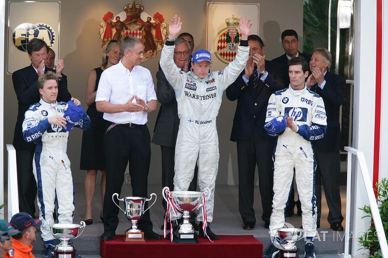 Podio: il vincitore della gara Kimi Raikkonen, McLaren, il secondo classificato Nick Heidfeld, Williams, il terzo classificato Mark Webber, Williams
