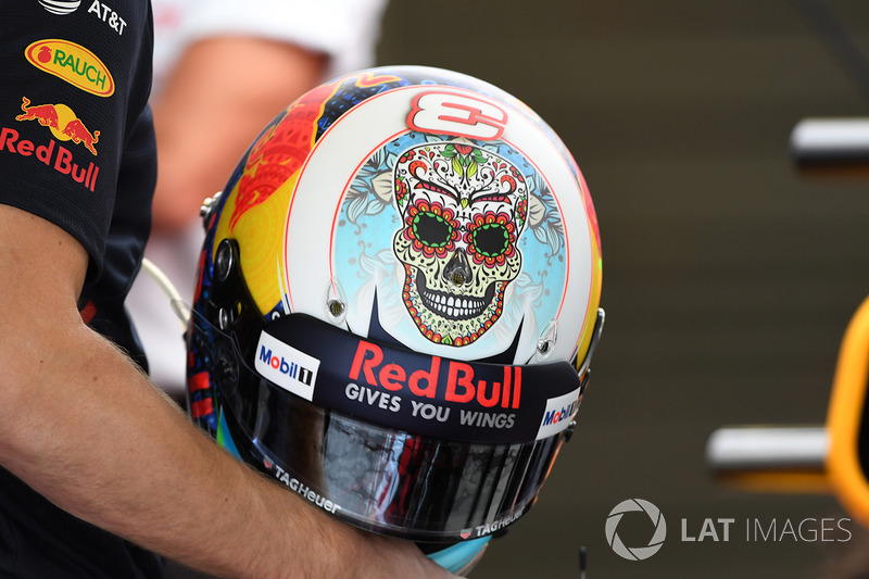 Daniel Ricciardo, Red Bull Racing casco