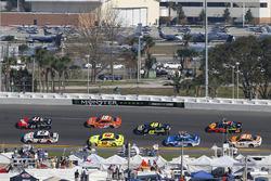 Brad Keselowski, Team Penske Ford Fusion and Kurt Busch, Stewart-Haas Racing Ford Fusion
