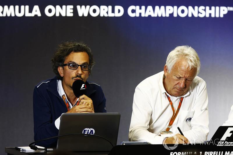 Laurent Mekies, F1 Yarış Direktörü Vekili, FIA, Charlie Whiting, FIA Yarış Direktörü, Halo tanıtım b