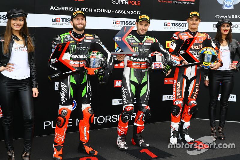 Polesitter Jonathan Rea, Kawasaki Racing, second place Tom Sykes, Kawasaki Racing, third place Chaz Davies, Ducati Team