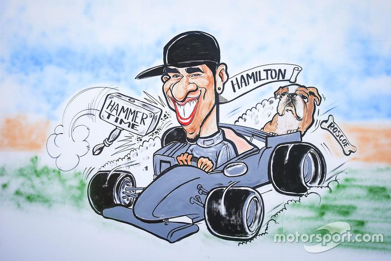 """Gran Premio de España: una caricatura sobre el """"HammerTime"""" de Hamilton."""