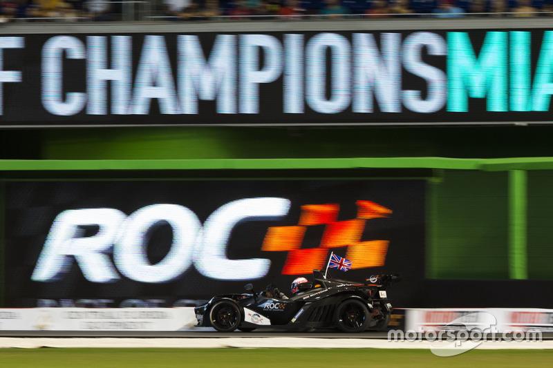 Jenson Button, conduce el KTM X-Bow Comp R