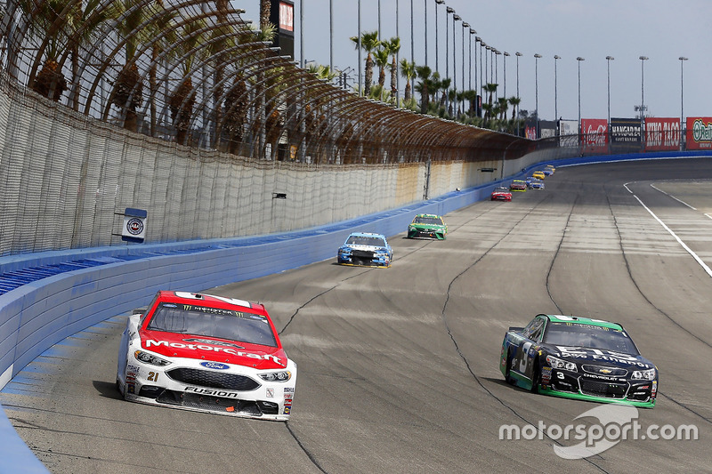 Ryan Blaney, Wood Brothers Racing Ford y Austin Dillon, Richard Childress Racing Chevrolet
