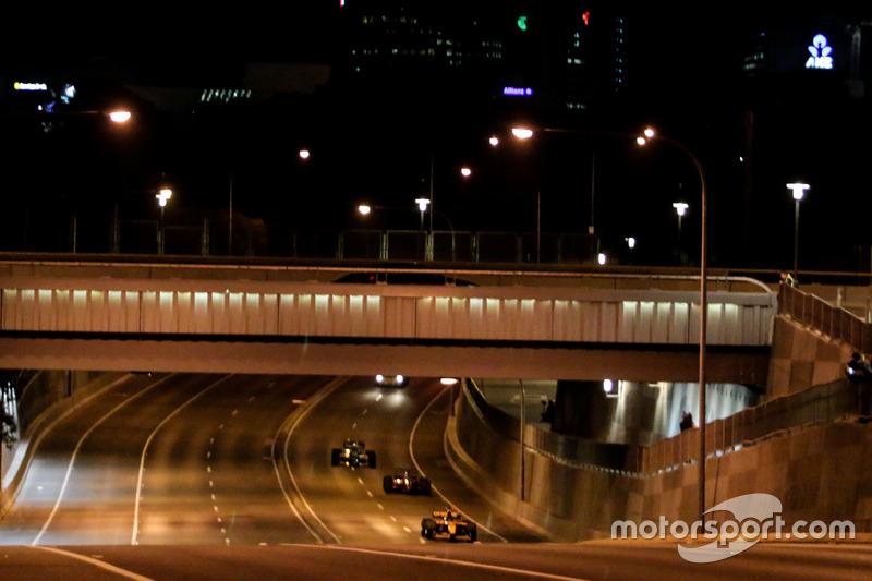 F1 coches en las calles de Adelaide