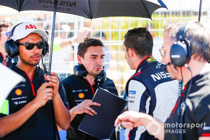 Sébastien Buemi, Nissan e.Dams, in conversation on the grid