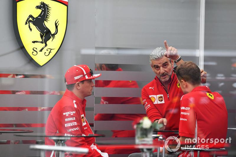 Керівник Ferrari Мауріціо Аррівабене, Кімі Райкконен, Себастьян Феттель, Ferrari