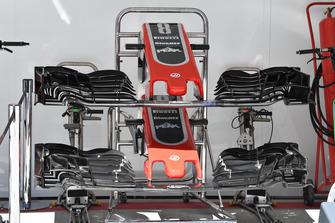 Носовой обтекатель и переднее антикрыло Haas F1 Team VF-18