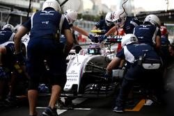 Valtteri Bottas, Williams FW38, in de pits