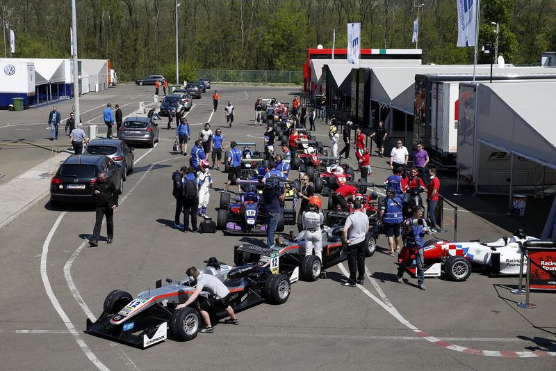 George Russell, HitechGP, Dallara F312 - Mercedes-Benz; Nikita Mazepin, HitechGP, Dallara F312 - Mercedes-Benz