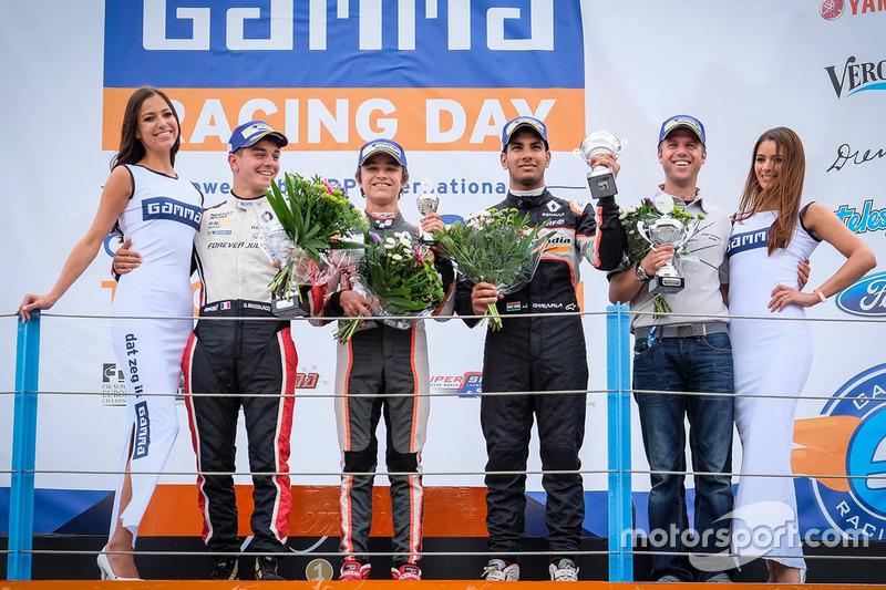 Podio: il vincitore Lando Norris, Josef Kaufmann Racing, il secondo classificato Dorian Boccolacci, Tech 1 Racing, il terzo classificato Jehan Daruvala, Josef Kaufmann Racing