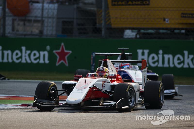Charles Leclerc, ART Grand Prix precede Antonio Fuoco, Trident