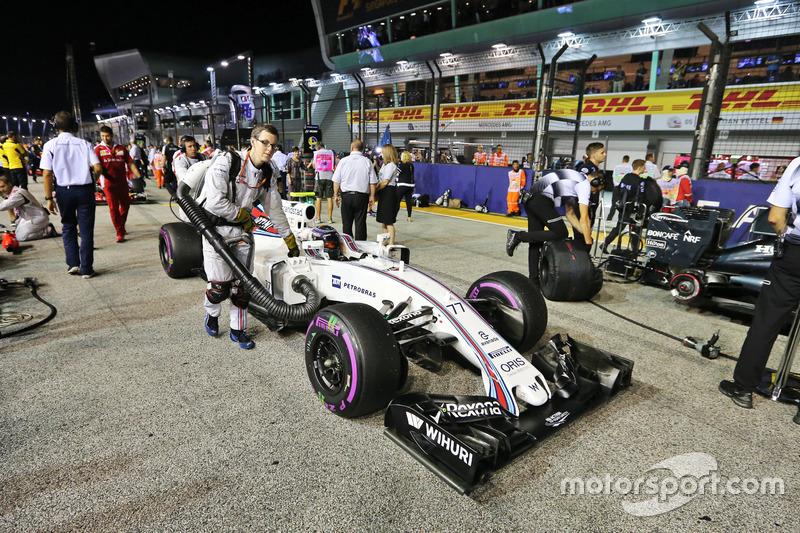 Valtteri Bottas, Williams FW38 on the grid
