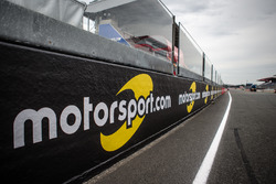 Motorsport.com trackside banners