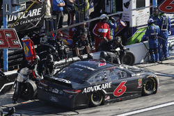 Trevor Bayne, Roush Fenway Racing Ford Fusion pit stop