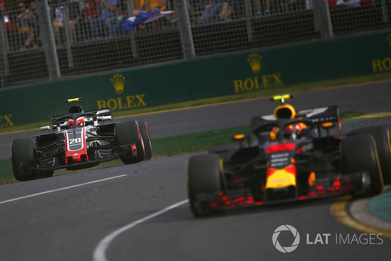 Max Verstappen, Red Bull Racing RB14 Tag Heuer, leads Kevin Magnussen, Haas F1 Team VF-18 Ferrari