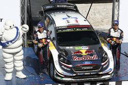 Podyum: Yarış galibi Sébastien Ogier, Julien Ingrassia, M-Sport Ford WRT Ford Fiesta WRC