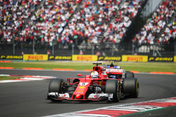 Sebastian Vettel, Ferrari SF70H, Pascal Wehrlein, Sauber C36