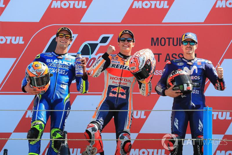 Podio: il secondo classificato Alex Rins, Team Suzuki MotoGP, il vincitore della gara Marc Marquez, Repsol Honda Team, il terzo classificato Maverick Viñales, Yamaha Factory Racing