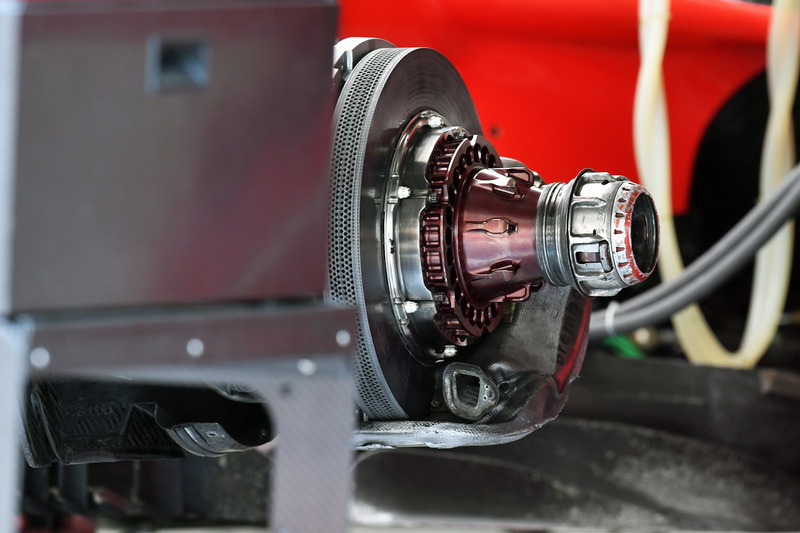 Ferrari SF-71H front brake and wheel hub detail