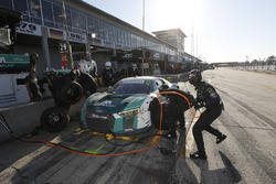 #29 Montaplast by Land-Motorsport Audi R8 LMS GT3, GTD: Christopher Mies, Sheldon van der Linde, Alessio Picariello, pit stop