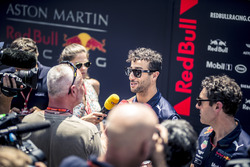 Daniel Ricciardo, Red Bull Racing talks with the media